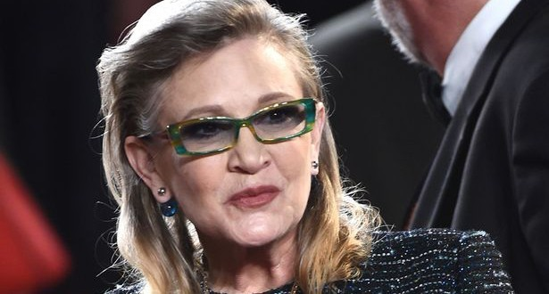 Carrie Fisher Slapped Oscar Isaac So Many Times on the Set of The Last Jedi