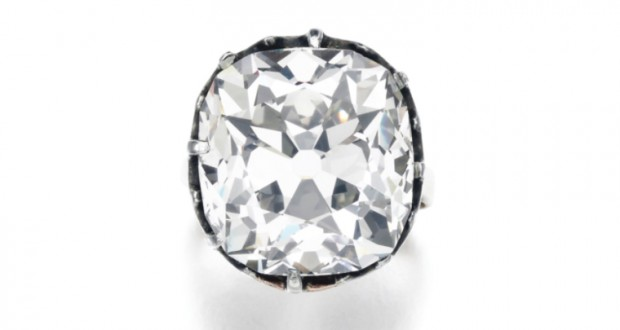 Woman's $15 'costume jewelry' ring turns out to be worth $450,000