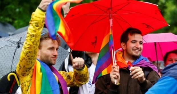 Landmark Vote: German Parliament Approves Gay Marriage