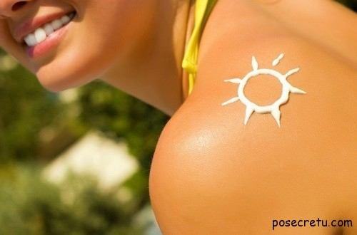 Your Sunscreen Protects You Less With Time But Don't Throw It Away Too Son