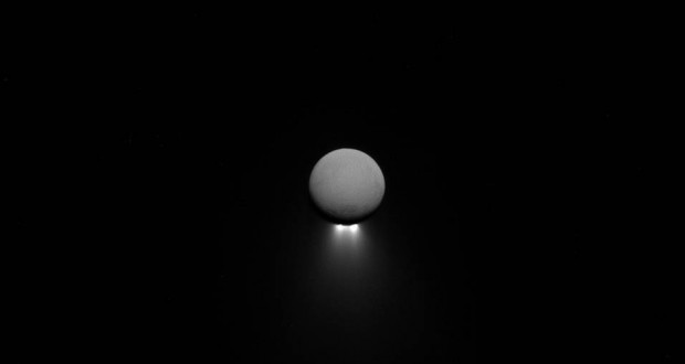 Cassini Shows Intriguing Image Of Enceladus' South-Polar Jets